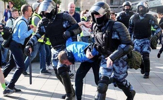 Митинги в Москве: особенности майданной манипуляции