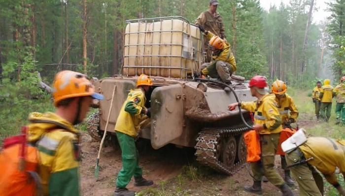 Почти полсотни природных пожаров удалось потушить за сутки