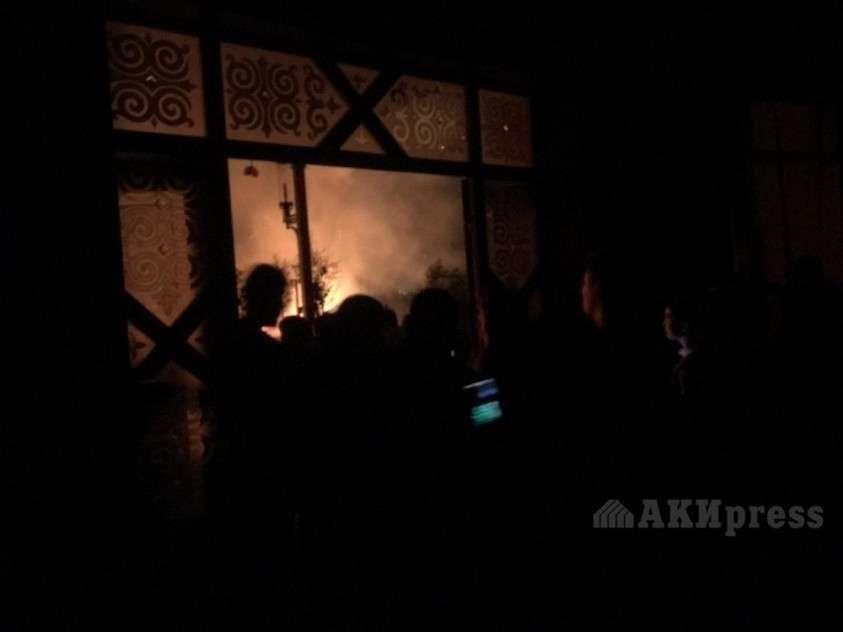 Штурм резиденции экс-главы Киргизии Атамбаева: хроника событий и ситуация на 23-00
