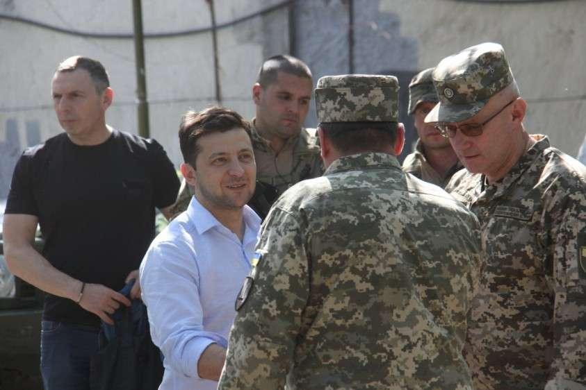 Война в Донбассе и «стремление к миру» Владимира Зеленского