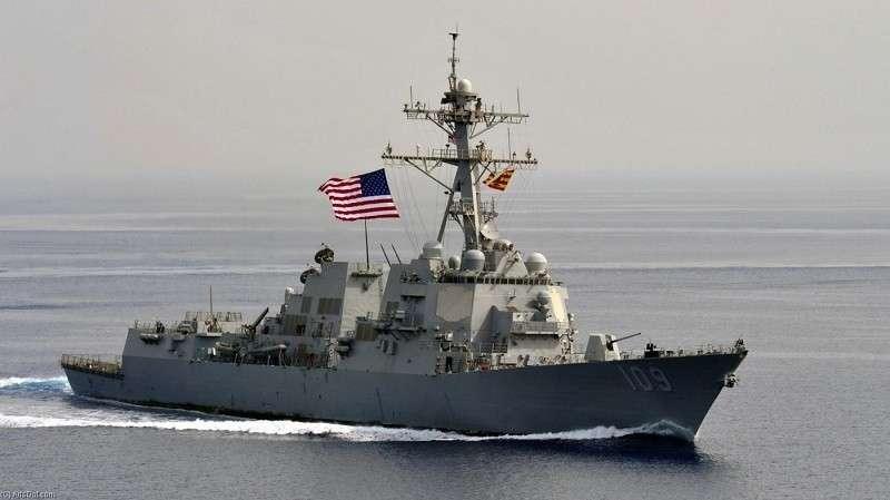 Китай не позволил двум военным кораблям США зайти в порт бунтующего Гонконга