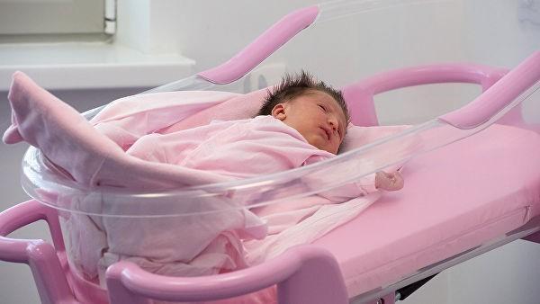 Пять семнадцатилетних россиянок родили в прошлом году по пятому ребенку