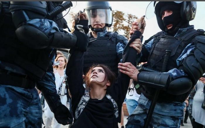 Названа главная трагедия московских и гонконгских протестов