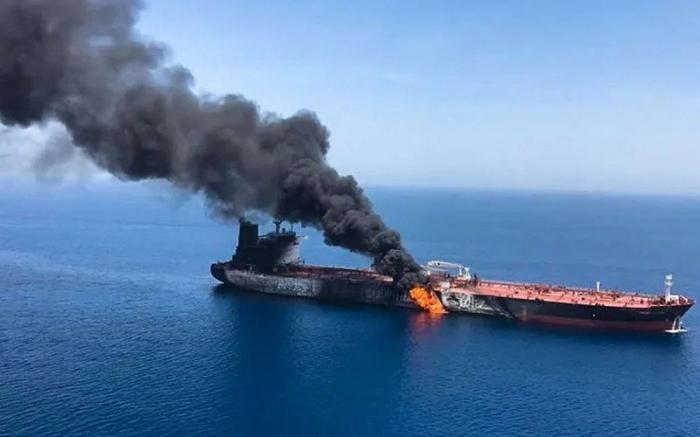 Флоты каких государств готовы к войне на главном нефтяном морском пути мира?