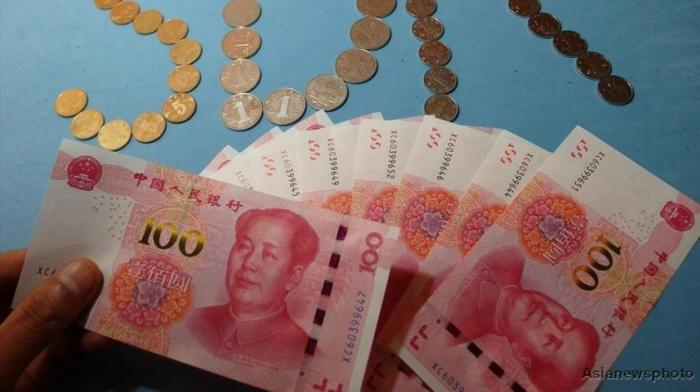 Курс валют: почему «Пекин ослабляет юань», а «русский рубль обрушивается»?