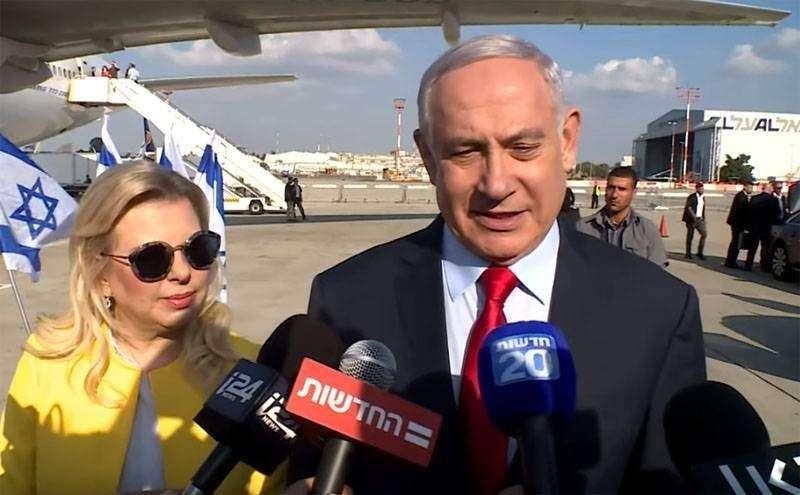 Жена Нетаньяху бросила на землю киевский