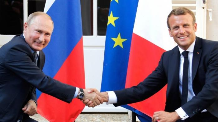 Владимир Путин и Эммануэль Макрон сделали заявления для прессы иответили навопросы журналистов