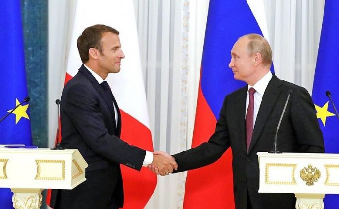Как Макрон встречал Путина в крепости: «Великие нации должны жить вместе»