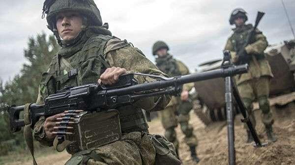 Военнослужащие в ходе учений