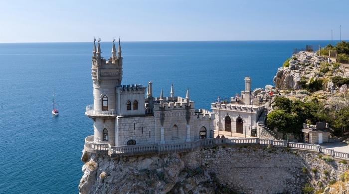 Крым. Впервые с1970 года началась реконструкция Ласточкиного гнезда