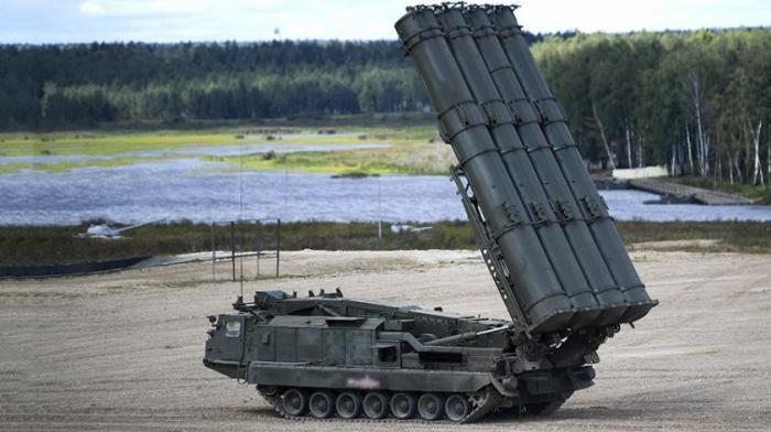 Россия в Арктике развернула сверхдальнобойные ЗРК С-300В4