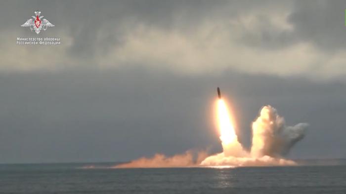 Атомные подлодки «Юрий Долгорукий» и «Тула» провели успешный запуск ракет «Булава» и «Синева»
