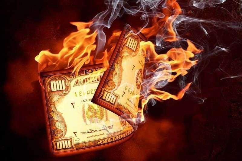 Дедолларизация: Англия призвала весь мир отказаться от доллара