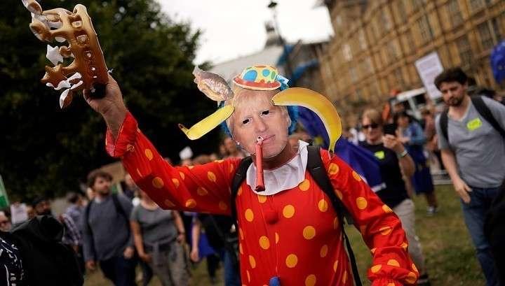 Великобританию охватили протесты перед жёстким Брекситом