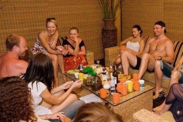 Их нравы: Кличко уехал от мерзнущего Киева погреться на Мертвое море