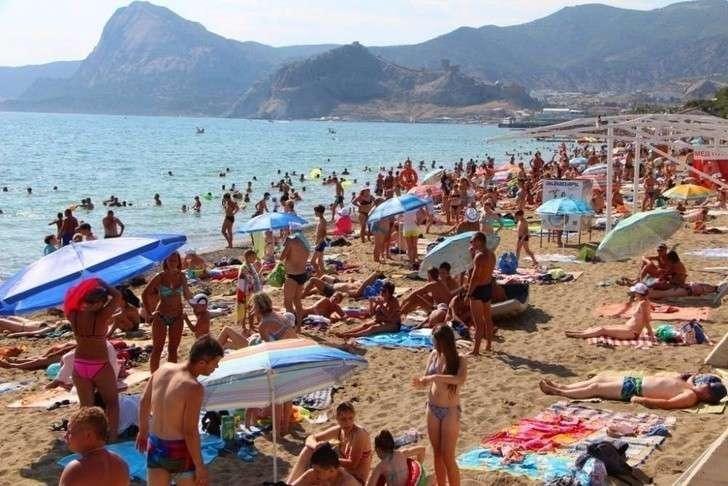 Почти 6 млн туристов отдыхали в Крыму с начала года