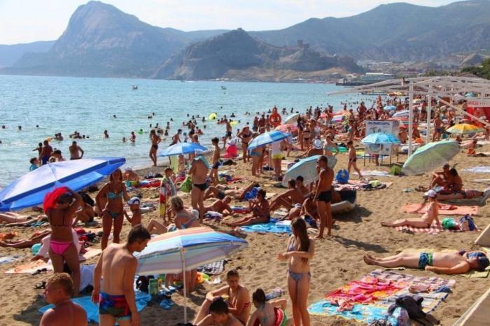 Почти 6 млн туристов отдыхали в Крыму сначала года