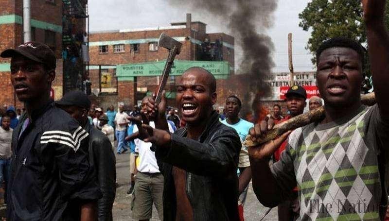 В ЮАР продолжаются грабежи и геноцид белых граждан