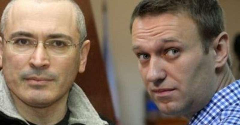 Навального и Ходорковского рассорили списки «нечистых»
