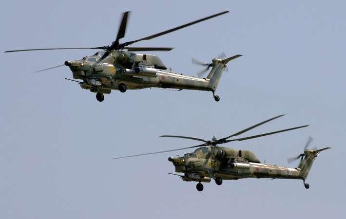 30 вежливых вертолётов армейской авиации вежливо стерегут мир и спокойствие рубежей нашей Родины