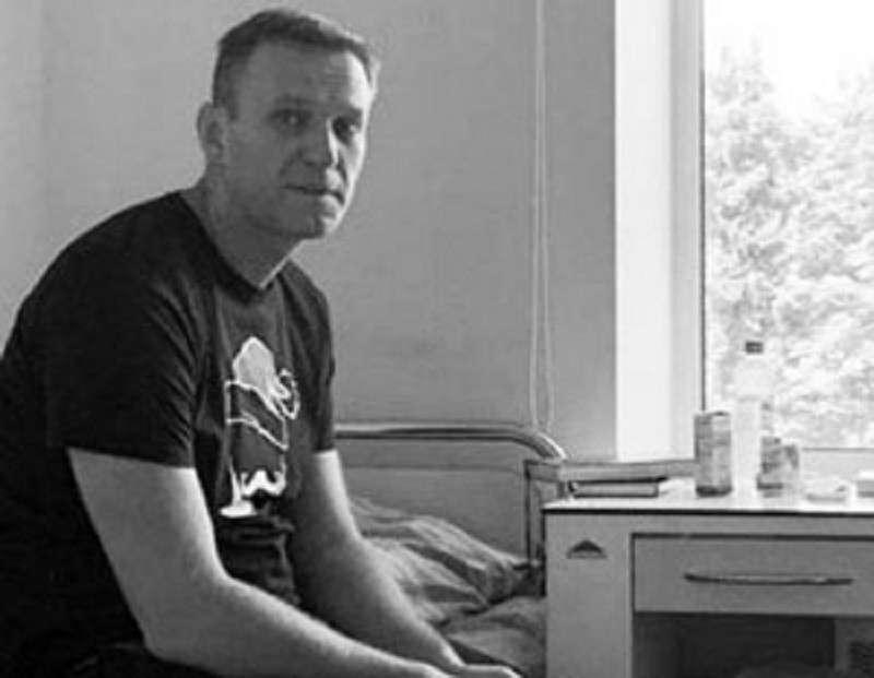 Навальный становится похожим на стареющего и капризного Кена