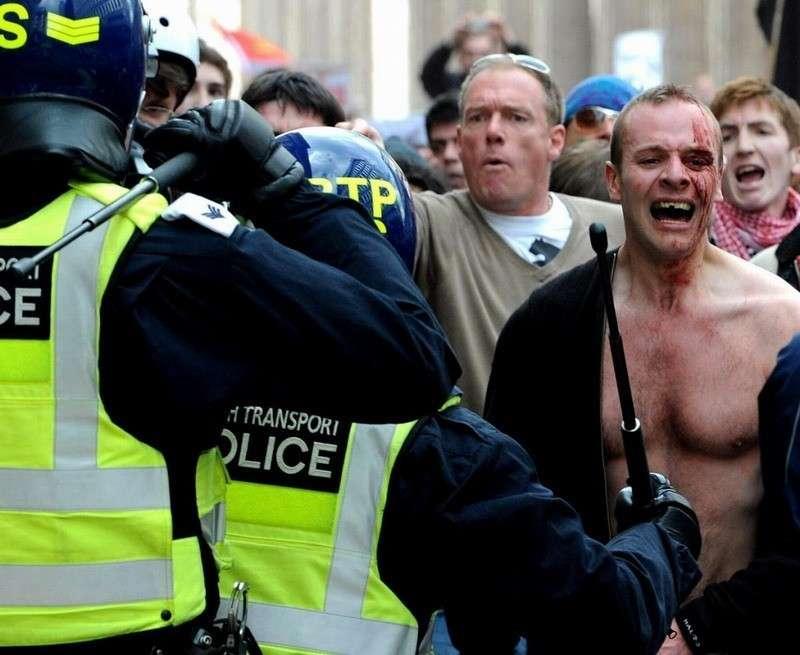 Почему англичане ходят на митинг всего один раз в жизни. Как работает полиция демократической Англии
