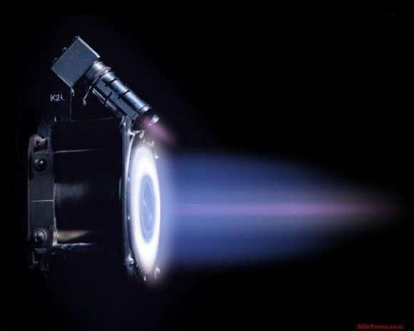 На орбите работают плазменные двигатели нового поколения российского производства