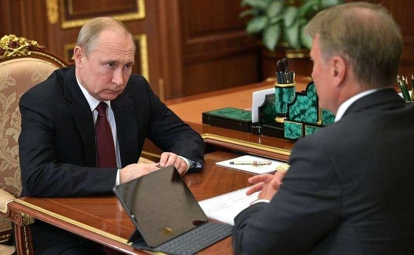 С президентом, председателем правления Сбербанка России Германом Грефом.
