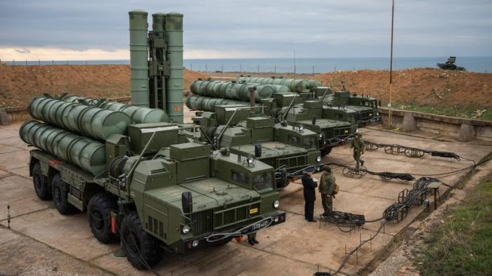 Концерн «Алмаз-Антей» досрочно передал Министерству обороны России очередной полк ЗРС С-400