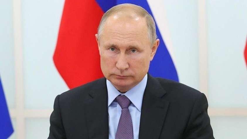 Владимир Путин поручил оценить ситуацию с очистными сооружениями на озере Байкал