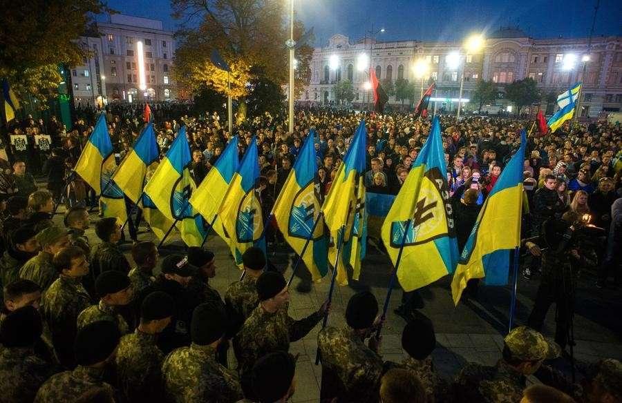 Военные части на Украине подчиняются олигархам, а не главнокомандующему