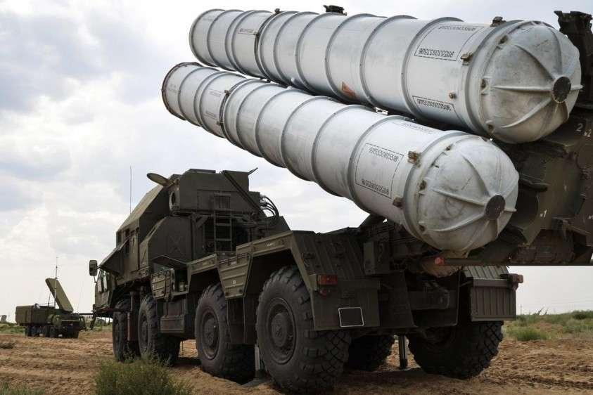 Сирийским военным разрешили использовать комплексы С-300 против израильских террористов