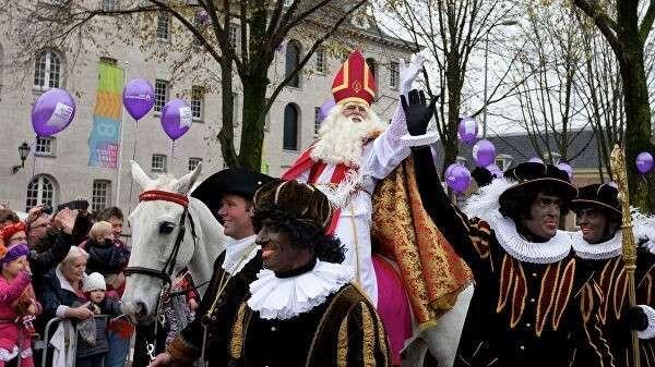 Голландский Дед Мороз Синтерклаас и его помощники
