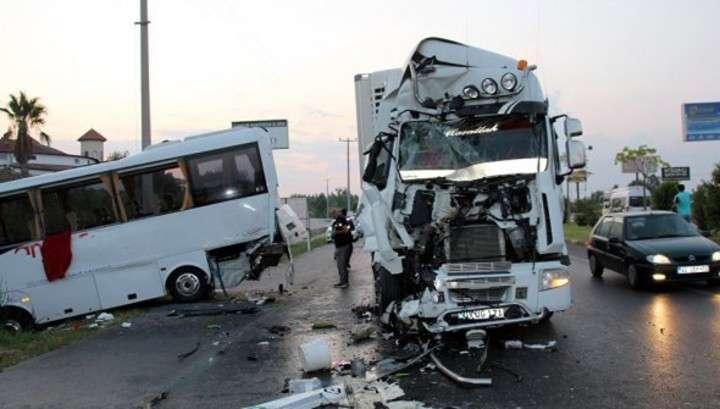 В Турции пострадали 22 россиянина, 15 доставили в больницы