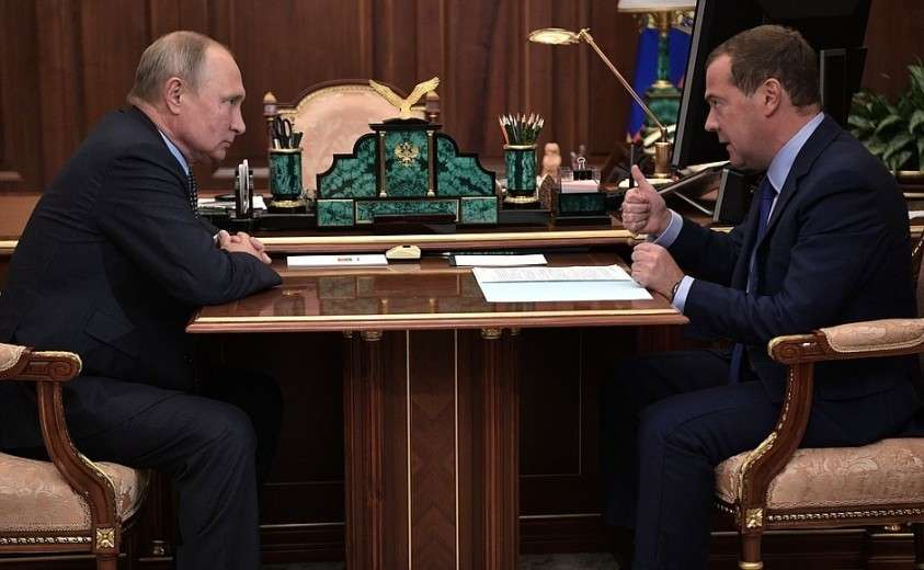 С Председателем Правительства Дмитрием Медведевым.