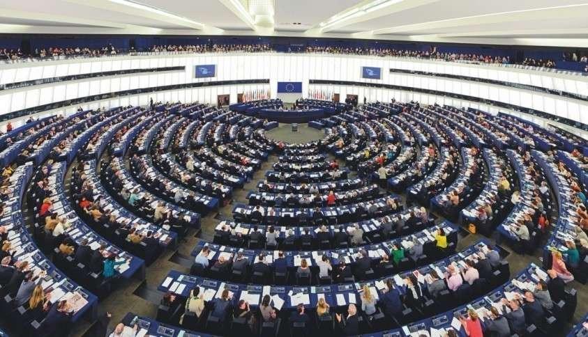 Европарламент пытается поставить Россию в неудобную позу