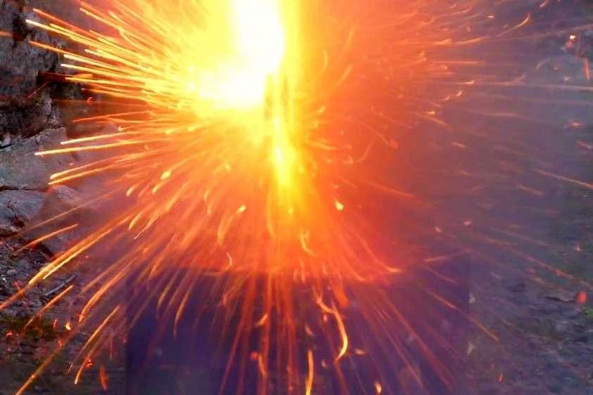 Как взрываются и горят литиевые аккумуляторы. Будьте осторожны!