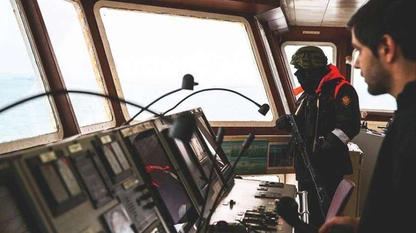 Приморье: три шхуны КНДР с 262 рыбаками задержаны за браконьерство