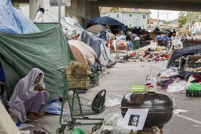 В Сан-Франциско идёт война местных жителей с толпами бомжей