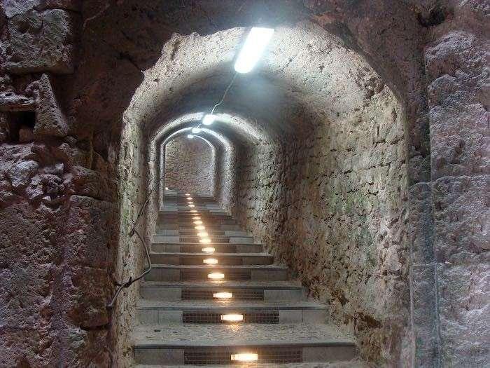 Белое зло Сирии: подземные города западных пропагандистов опутали САР