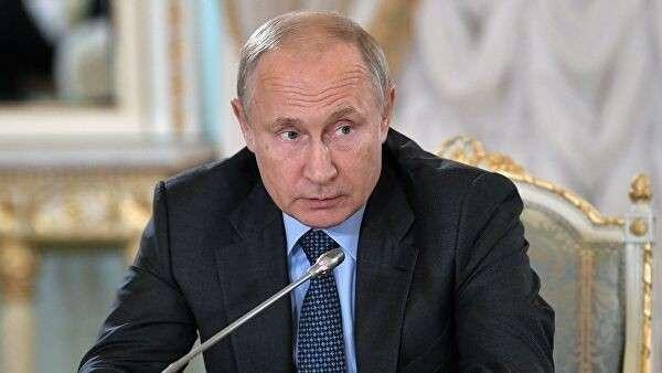Президент РФ Владимир Путин принимает участие в Петербургском международном экономическом форуме