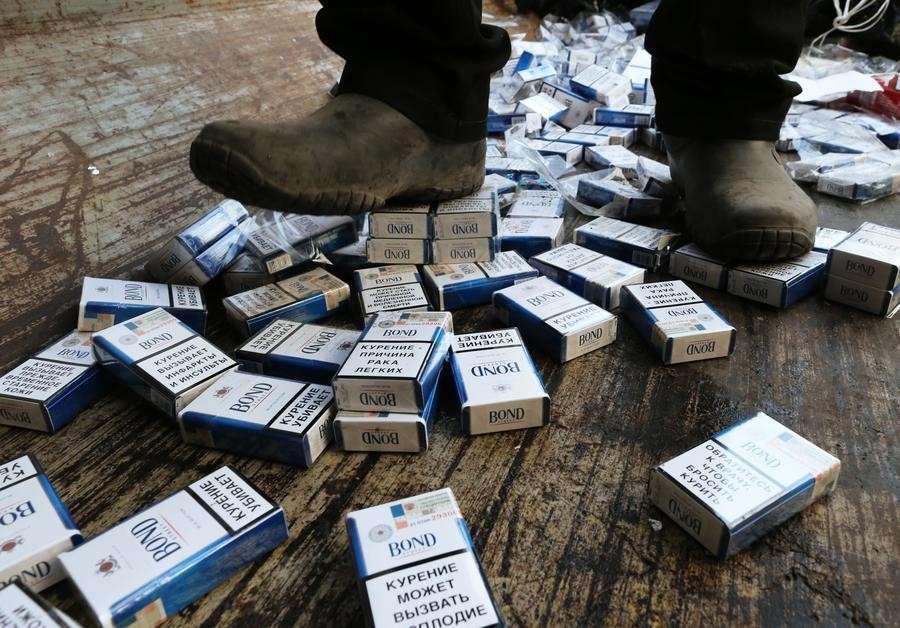 СМИ: Табак и алкоголь предлагают задвинуть подальше