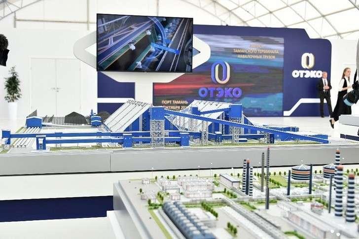 Завершён первый этап строительства грузового порта в Тамани