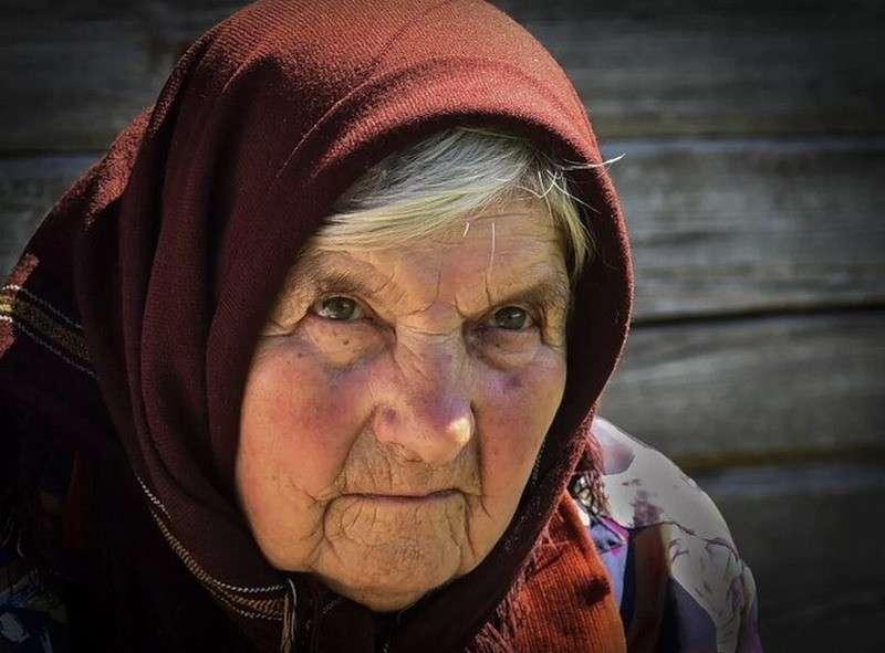 «Ваш внук попал в ДТП, нужны деньги»: история бабушки, которая классно отработала мошенников