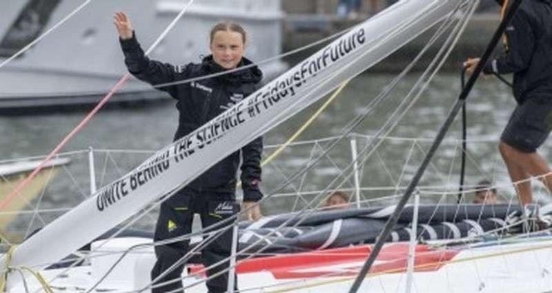 Грета Тунберг на яхте вместо самолёта: Всё что надо знать про экологический активизм