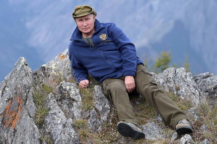 Владимир Путин свое 67-летие отпраздновал в сибирских горах, забравшись выше облаков