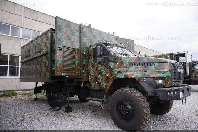 Россия отправила на Филиппины партию мобильных штабов-трансформеров на базе Урал Next