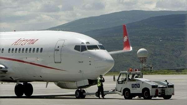 Самолет грузинской частной авиакомпании Airzena – Georgian Airways