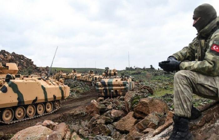 Бронетехника турок на границе с Сирией готова к агрессии против курдов
