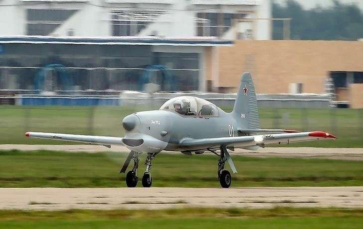Як-152 успешно прошел испытания на прочность конструкции